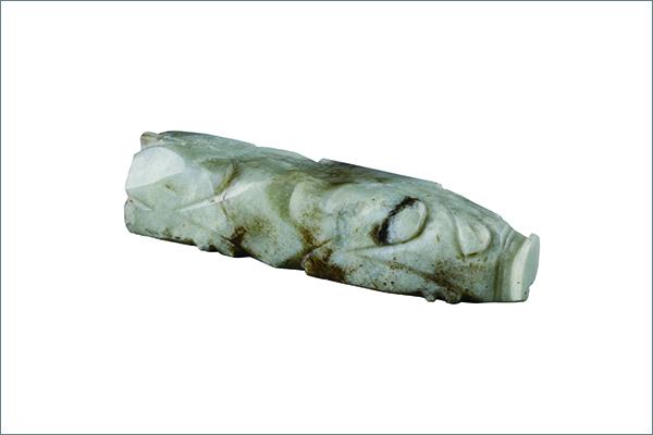 6 玉豚 玉 後漢時代・2 世紀 1974 年~1977 年、安徽省亳州市董園村1号墓出土 亳州市博物館蔵