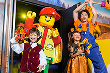 レゴ®のハロウィンパレード